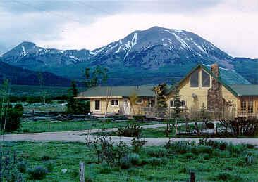 Mt. Peale Bed & Breakafst Inn/Lodge & Cabins, La Sal, Utah, Pet Friendly