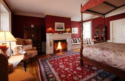 Harbor Light Bed And Breakfast Inn, Marblehead, Massachusetts Bed And  Breakfasts