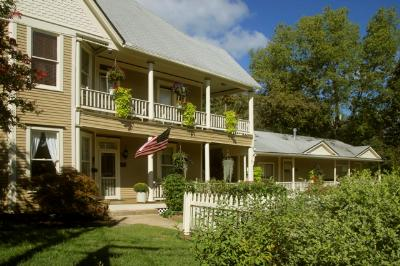 Award Winning Heartstone Bed & Breakfast Inn, Eureka Springs, Arkansas