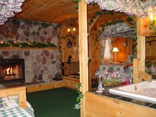 Lazy Cloud Lodge and Bed and Breakfast Inn, Lake Geneva, Wisconsin