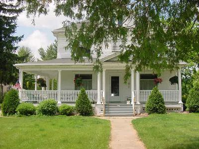 Lindsay House Bed & Breakfast, Manawa, Wisconsin
