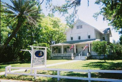 Deland Country Inn Bed & Breakfast, Deland, Florida, Pet Friendly