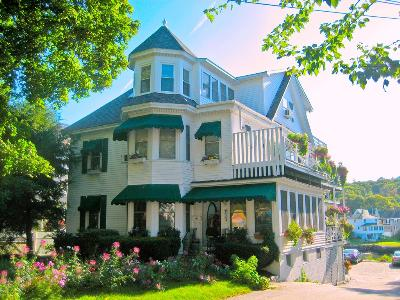 Harbour Towne Bed and Breakfast on the Waterfront, Boothbay Harbor, Maine, Romantic