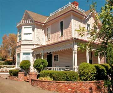 power 39 s mansion bed and breakfast auburn california inns. Black Bedroom Furniture Sets. Home Design Ideas
