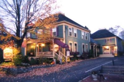 Austin's Holidae House B&B, Bethel, Maine, Romantic