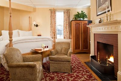 The Captain Jefferds Inn Bed & Breakfast, Kennebunkport, Maine, Pet Friendly, Romantic