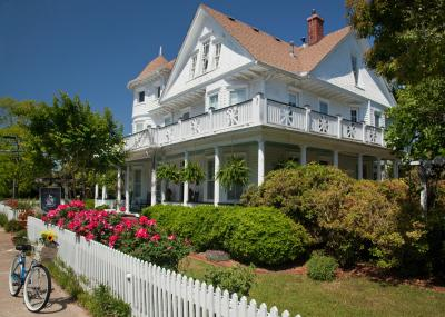 The White Doe Inn Bed and Breakfast