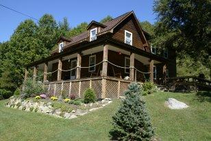 Mountain Harbour Bed & Breakfast, Roan Mountain, Tennessee