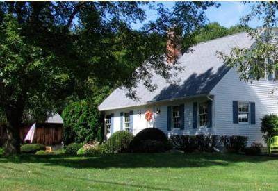 The Country Cape Bed and Breakfast, Whately, Massachusetts, Romantic