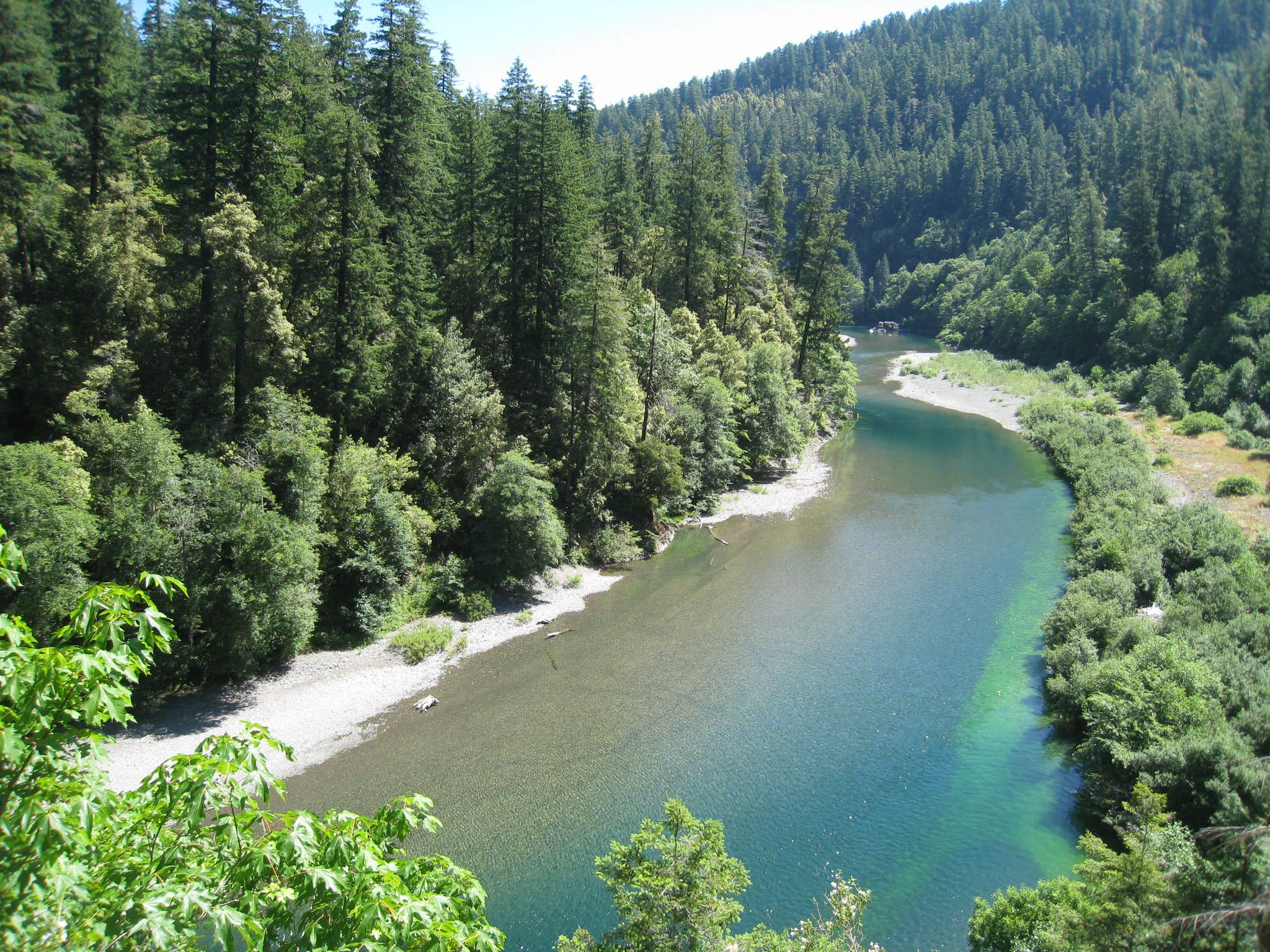 The chetco river inn vacation rentals brookings oregon inns for Chetco river resort cabins brookings oregon