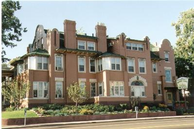 The Holiday Chalet - A Victorian B&B, Denver, Colorado, Pet Friendly